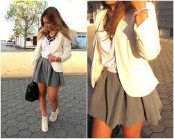 Resultado de imagen para outfits con faldas grises
