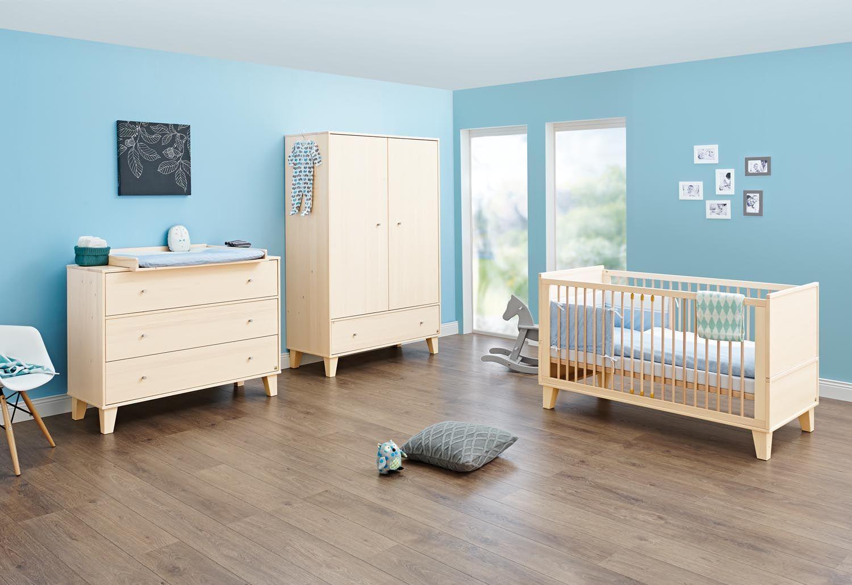 Nice Hier sind Sie richtig Jetzt bei myToys Komplett Kinderzimmer CHARLES Kinderbett Wickelkommode Kleiderschrank Fichte massiv cremewei lasiert g nstig