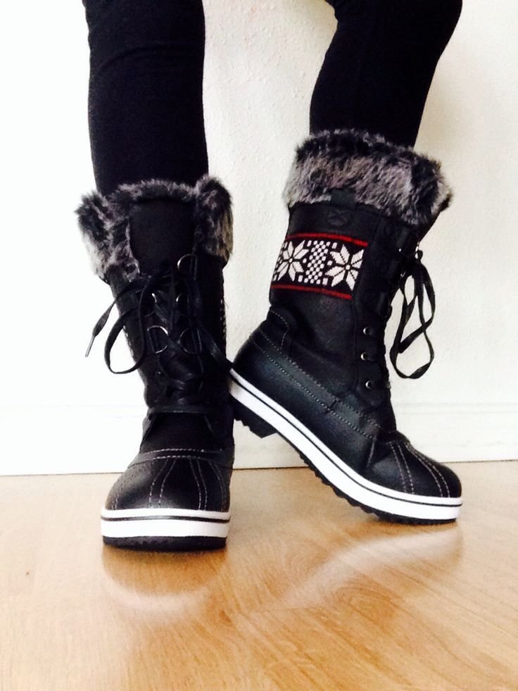 These Northside Bishop boots are so cute, you probably won't wait for it to snow to wear them! #furboots