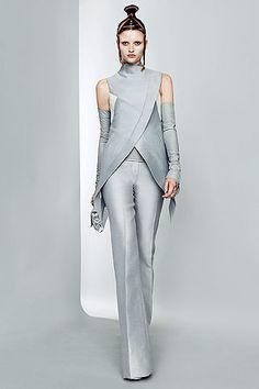 b1effb1e0f7 Paris Fashion Week  Futuristic fashion at Gareth Pugh