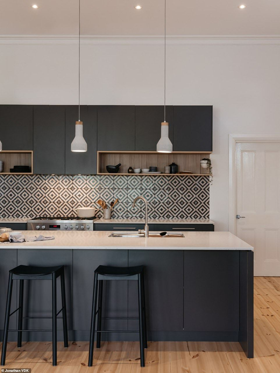 Are These Australia S Most Envy Inducing Homes Contemporary Kitchen Kitchen Interior Modern Kitchen Design
