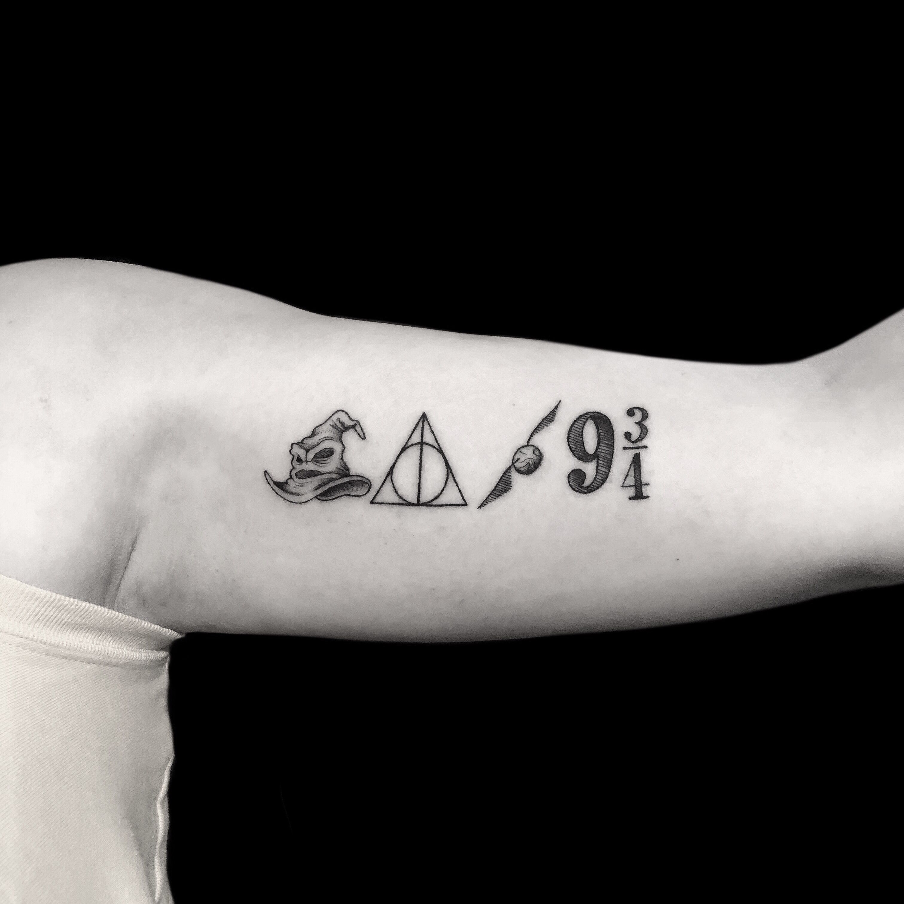 Simbolos De Harry Potter Tattoos Geometric Tattoo Infinity Tattoo