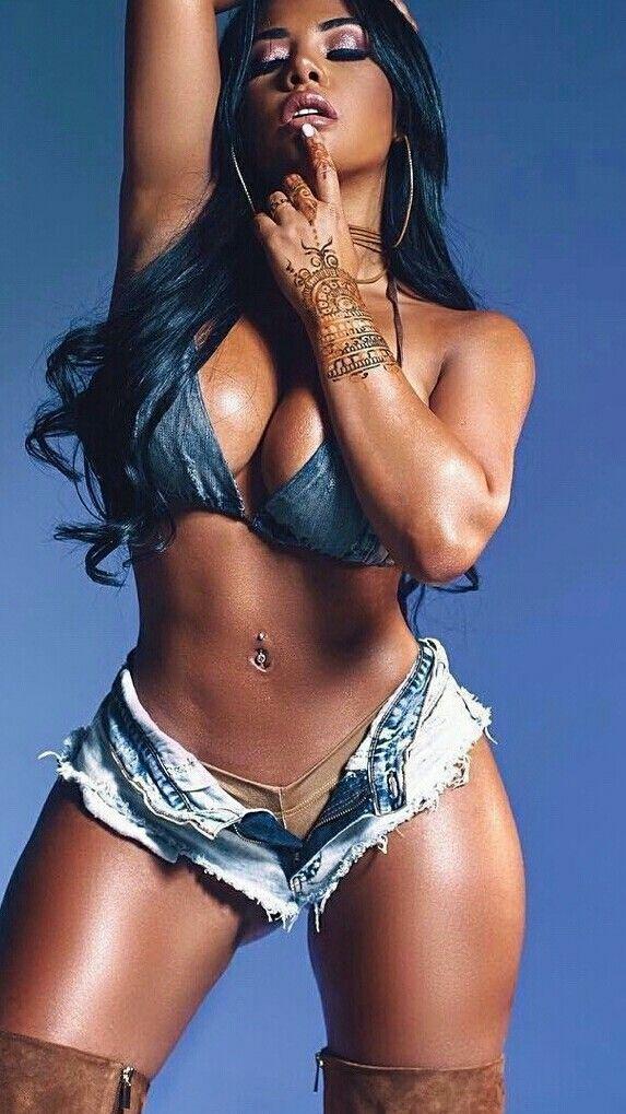 femme beau sein