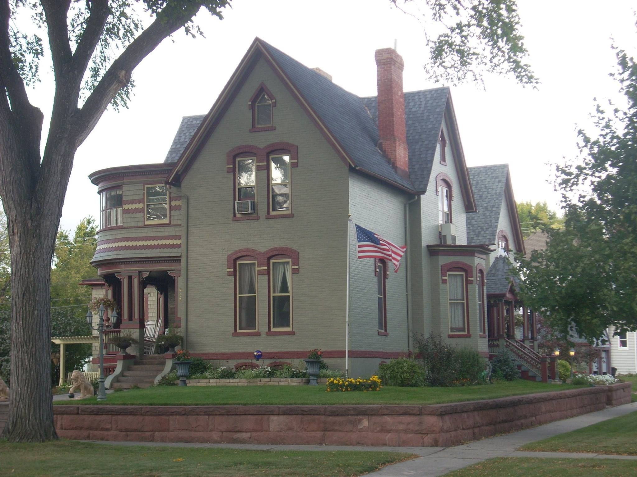 Dr Henry Wheeler House Grand Forks Nd House Exterior Victorian Homes Architecture