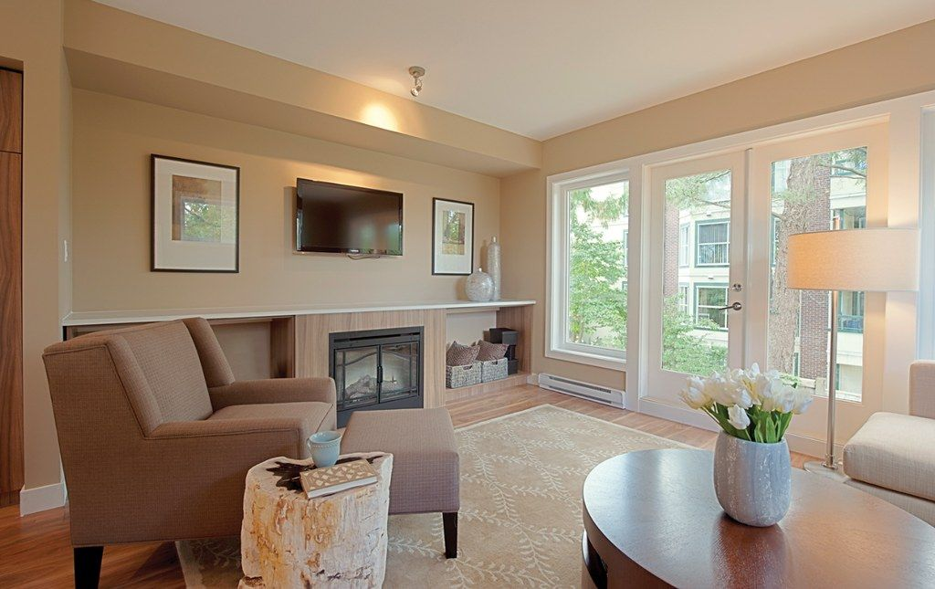 How to Choose Living Room Paint Colors That Are Perfect ...