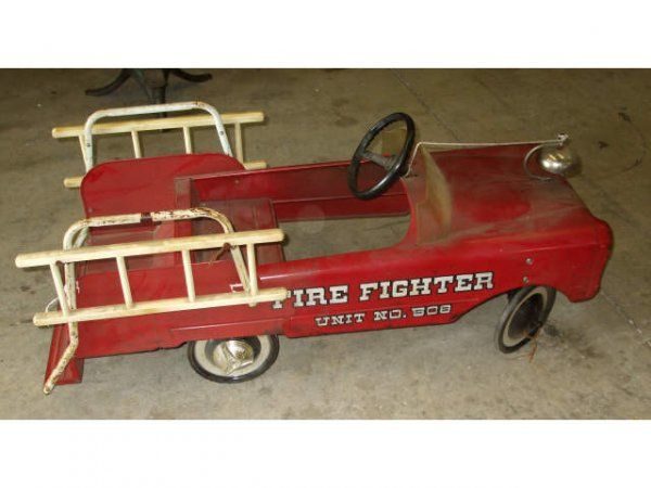 497 a good vintage firetruck pedal car 508 on pedal. Black Bedroom Furniture Sets. Home Design Ideas