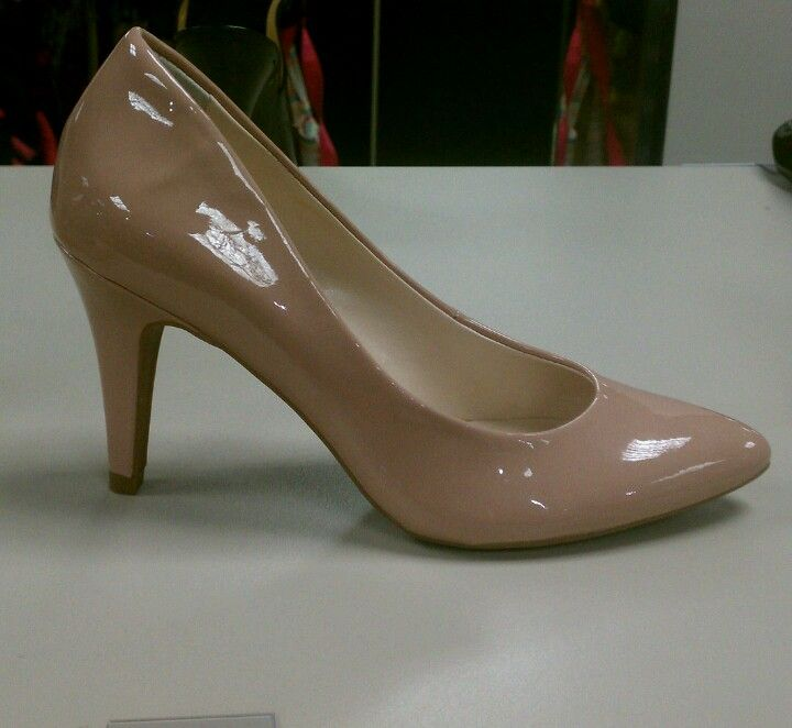 a must have color...cute Nd very comfy..go to OFFBWay