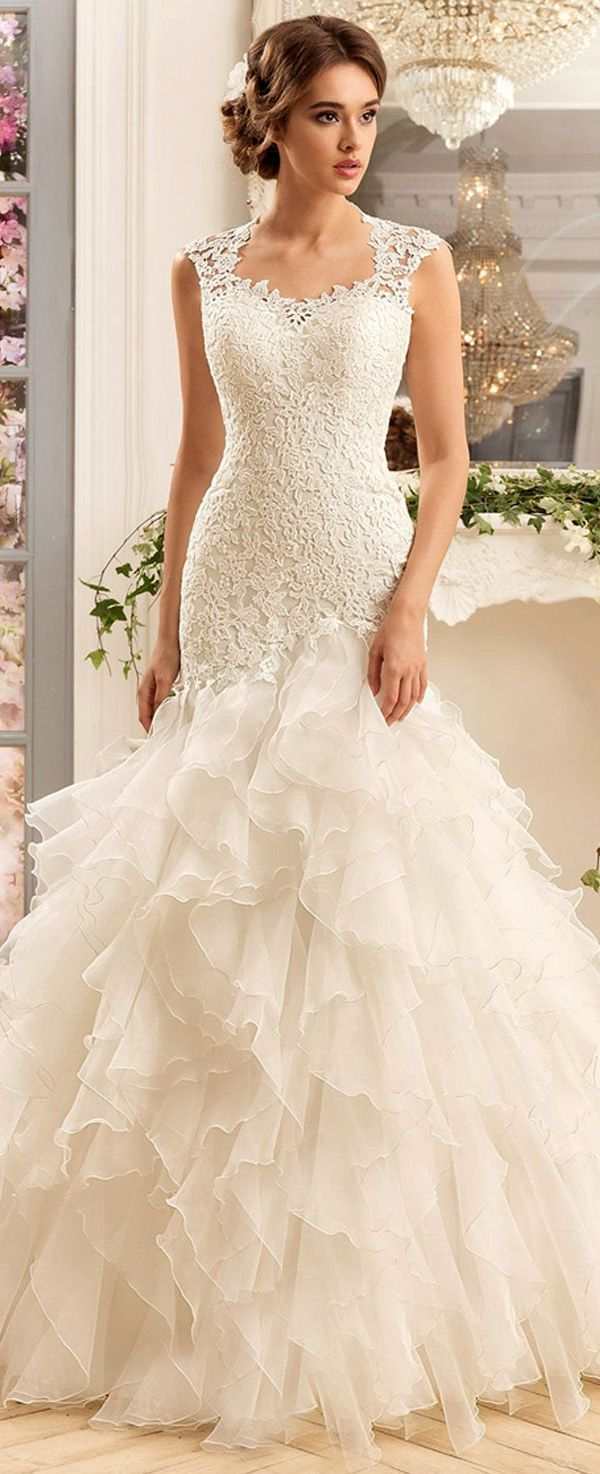 Chic tulle u satin scoop neckline mermaid wedding dresses with lace
