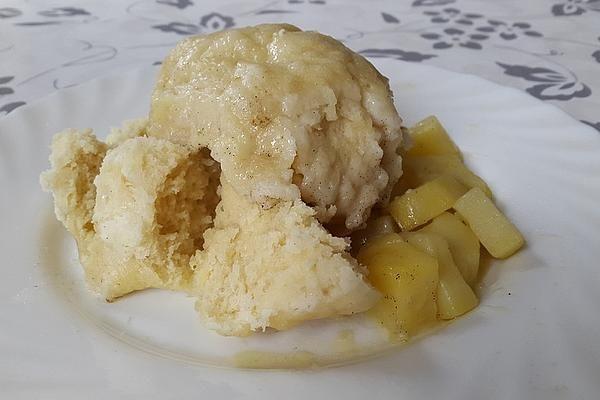 Dampfnudeln auf Kartoffeln mit Schleiferbrühe von BabaMu | Chefkoch