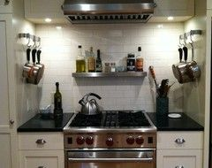 Off White Subway Tile Matches The Cabinets With An Alabaster
