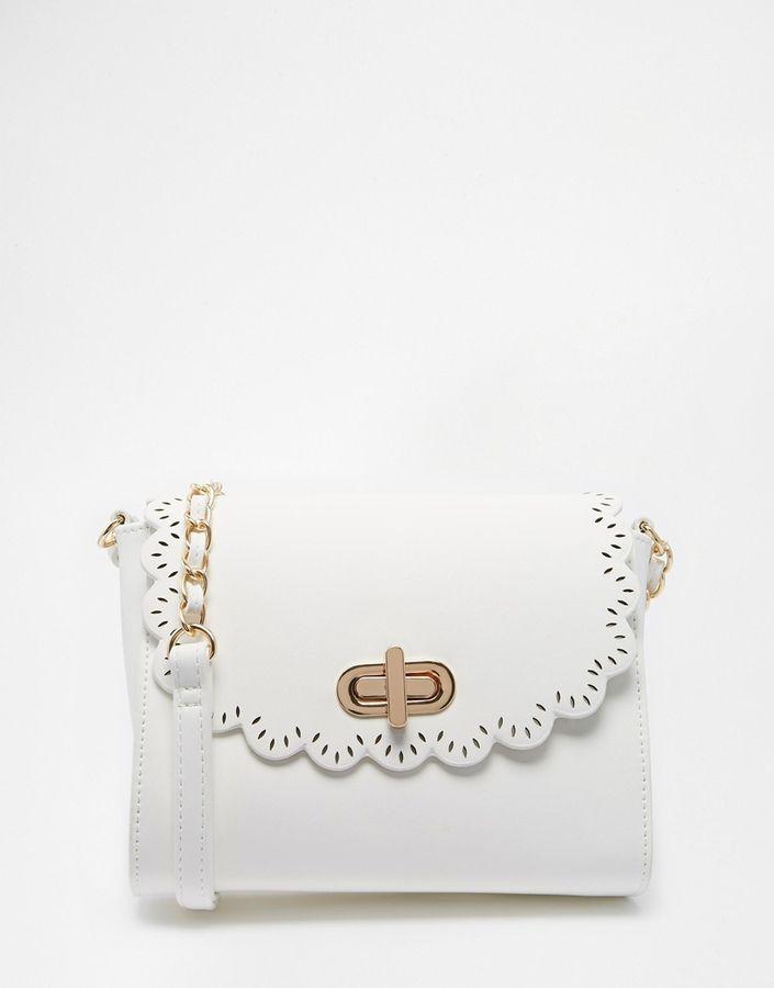 ASOS - Umhängetasche mit Bogenkantendesign - Weiß