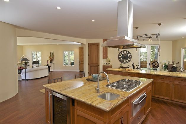 Elegant touches of montclair contemporary will awe and for Center kitchen island ideas