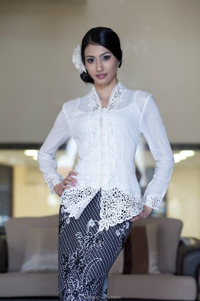 Kebaya White Top With Black Bottom Sarong Sold Separately Www