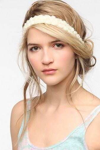 Cute Hairstyles With Headbands Cute Hairstyle With Headband In