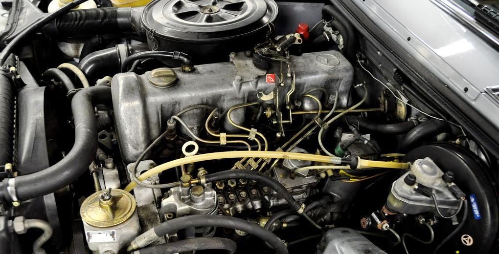 Mercedes Benz OM617 Turbo Diesel  Solid mechanical engine