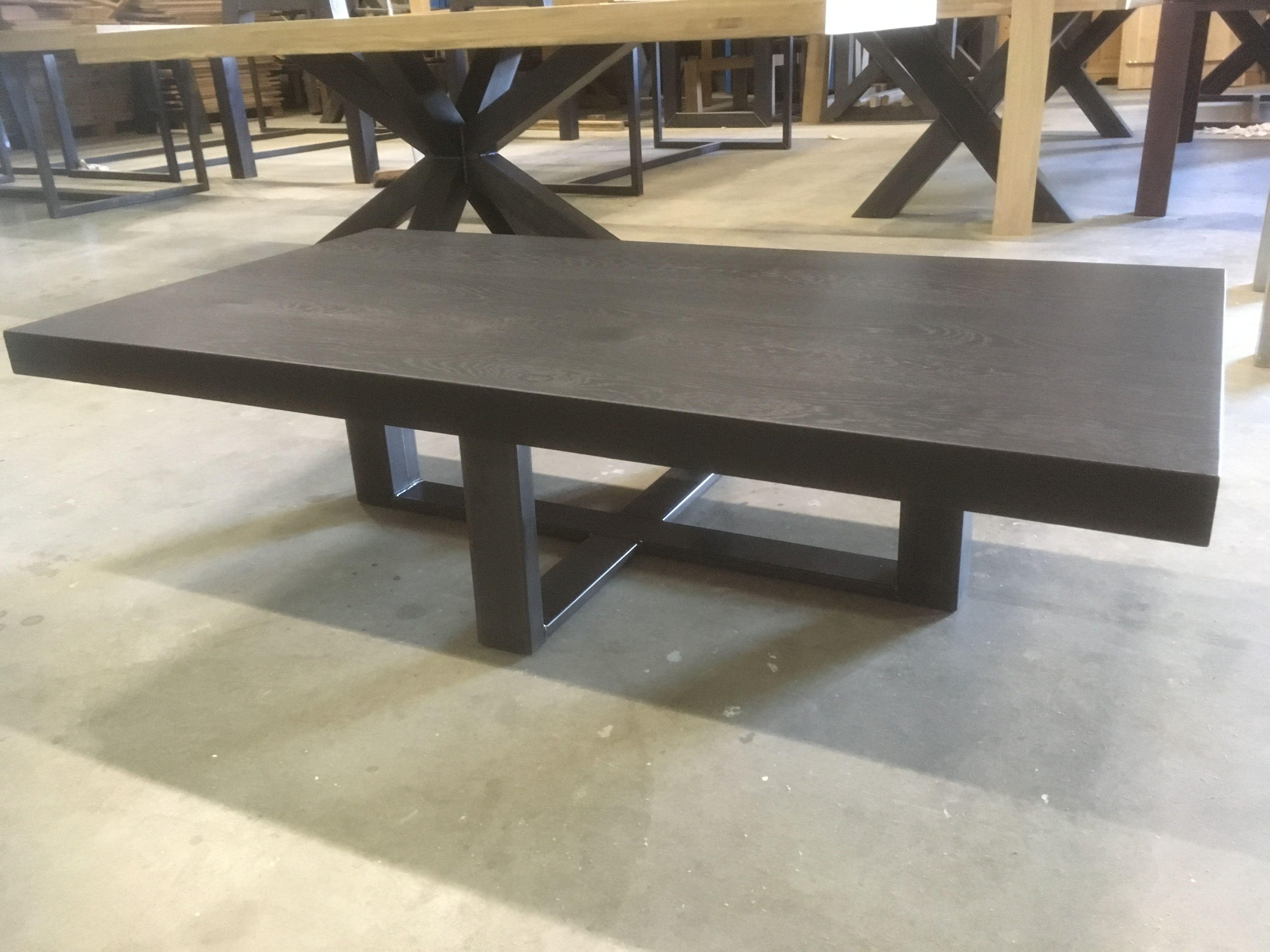 Massief eiken salontafel met stalen onderstel kaldenbach