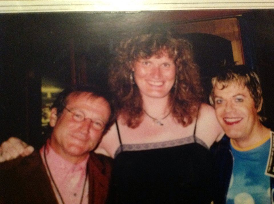Eddie Izzard with Robin Williams at his first show in San Francisco in 1998. - Imgur