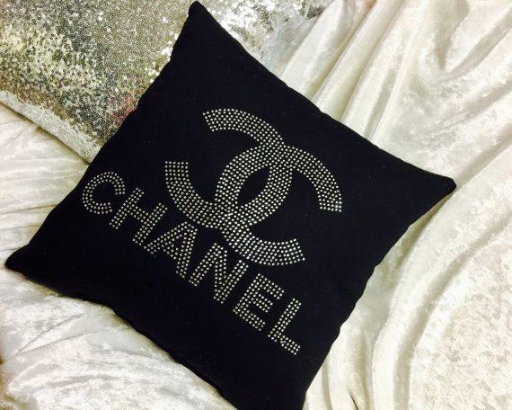 Cuscini Chanel.Cuscino Ispirato Stilista Chanel Disponibili 2 Taglie Foto Mostra