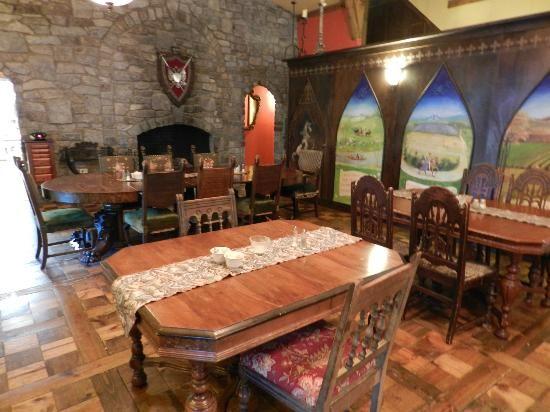 ravenwood castle | Ravenwood Castle Photo: Dining Hall