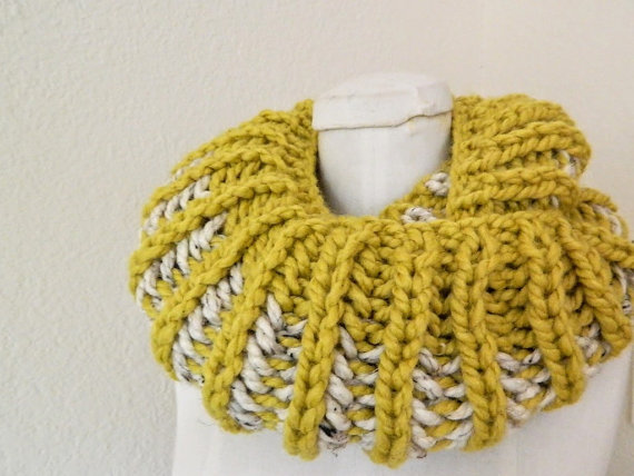 Photo of Items similar to Citron Yellow – Oatmeal 2-color Chunky Mini- Infinity Scarf – Handknit, Ready to Ship on Etsy