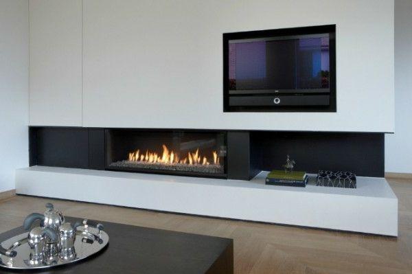 Weisse Wand Und Moderner Kamin In Den Schrank Einbauen Wie Sehen