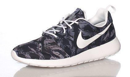 "Nike Rosherun Print ""Grey"""