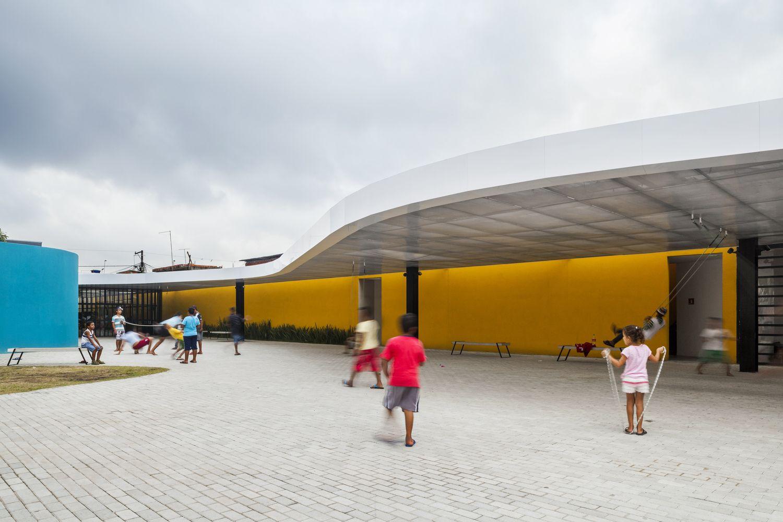 Galeria de Espaço Alana / Rodrigo Ohtake Arquitetura e Design - 16
