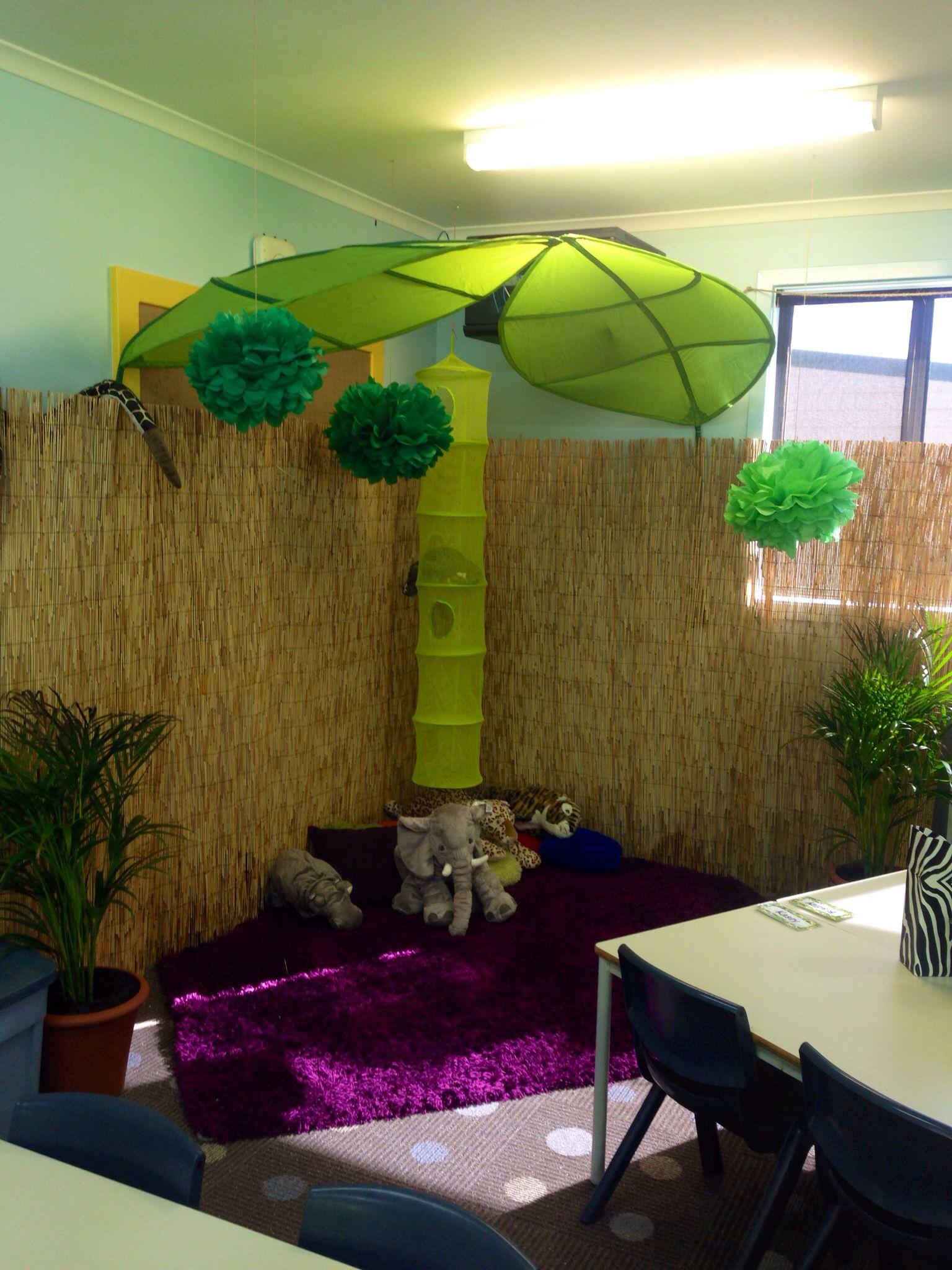 Reading Hut In My Year 2 3 Jungle Safari Themed Classroom