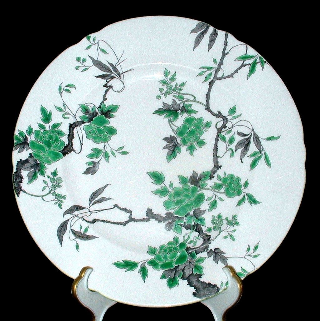 Shelley Dinner Plate Ovington Chippendale Cambridge Bone China 10.75 Inches Dinner Party
