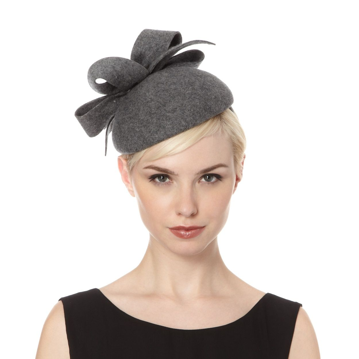 Cute felt fascinator beret.love hats.  4d70a76c8f1