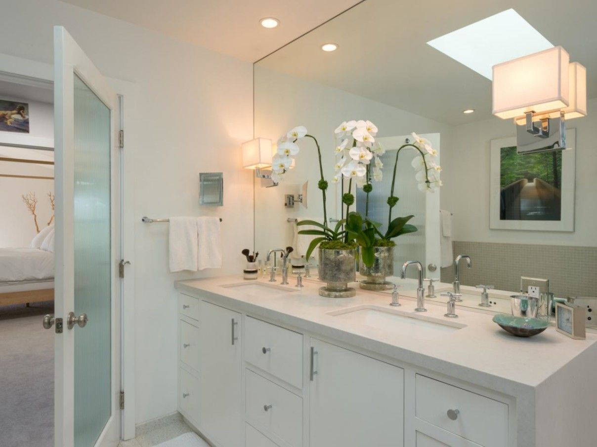 Delicate Modern Bathroom Sconces Making Luminous And Soothing - Designer bathroom sconces
