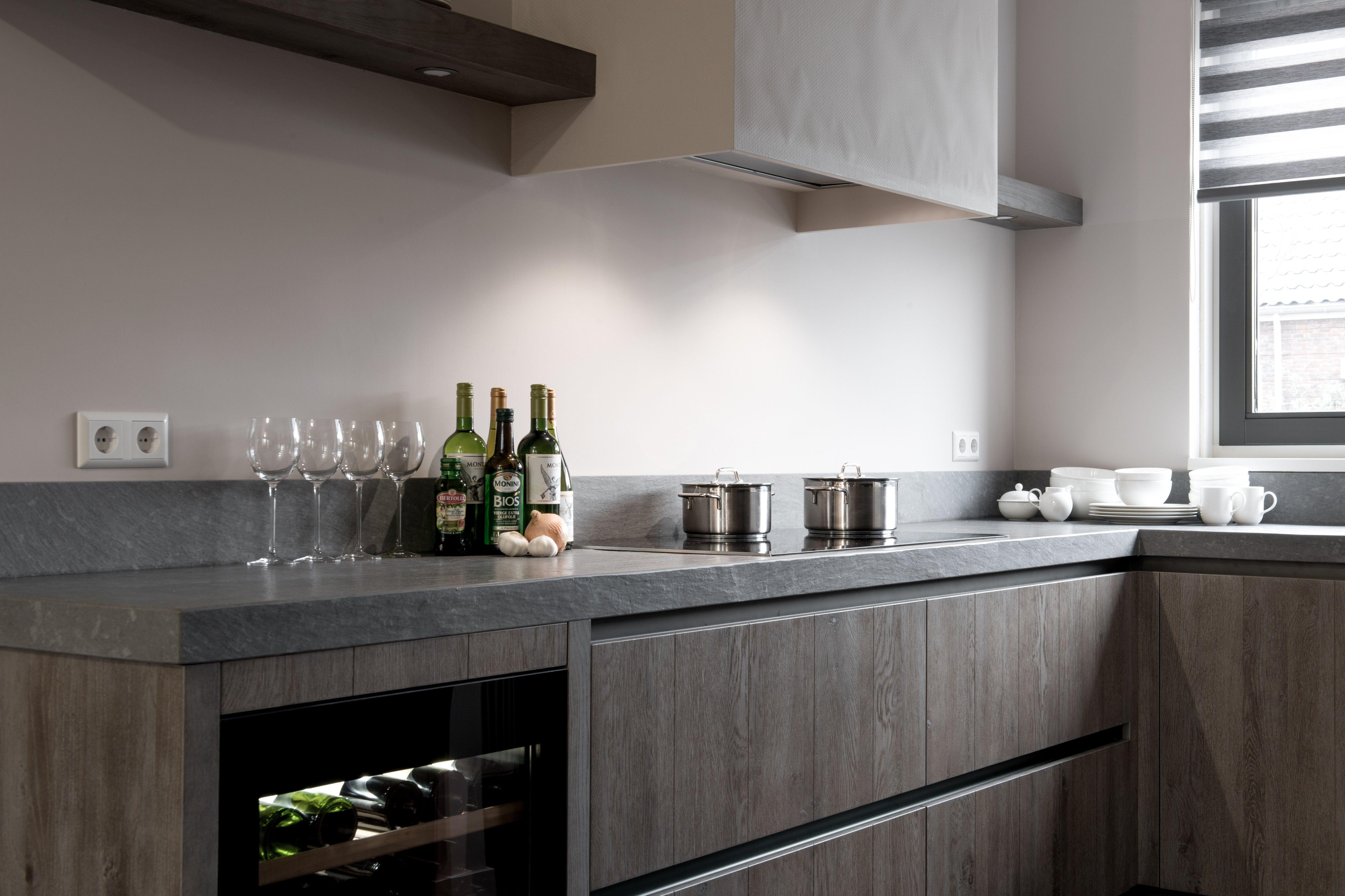 Wijnkoelkast De Keuken : Landelijke keuken houten keuken hoekkeuken siemens