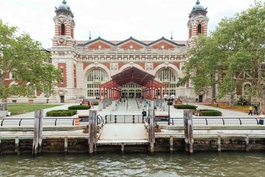One lucky Airbnb contest winner was given the chance to explore Ellis Island after hours.