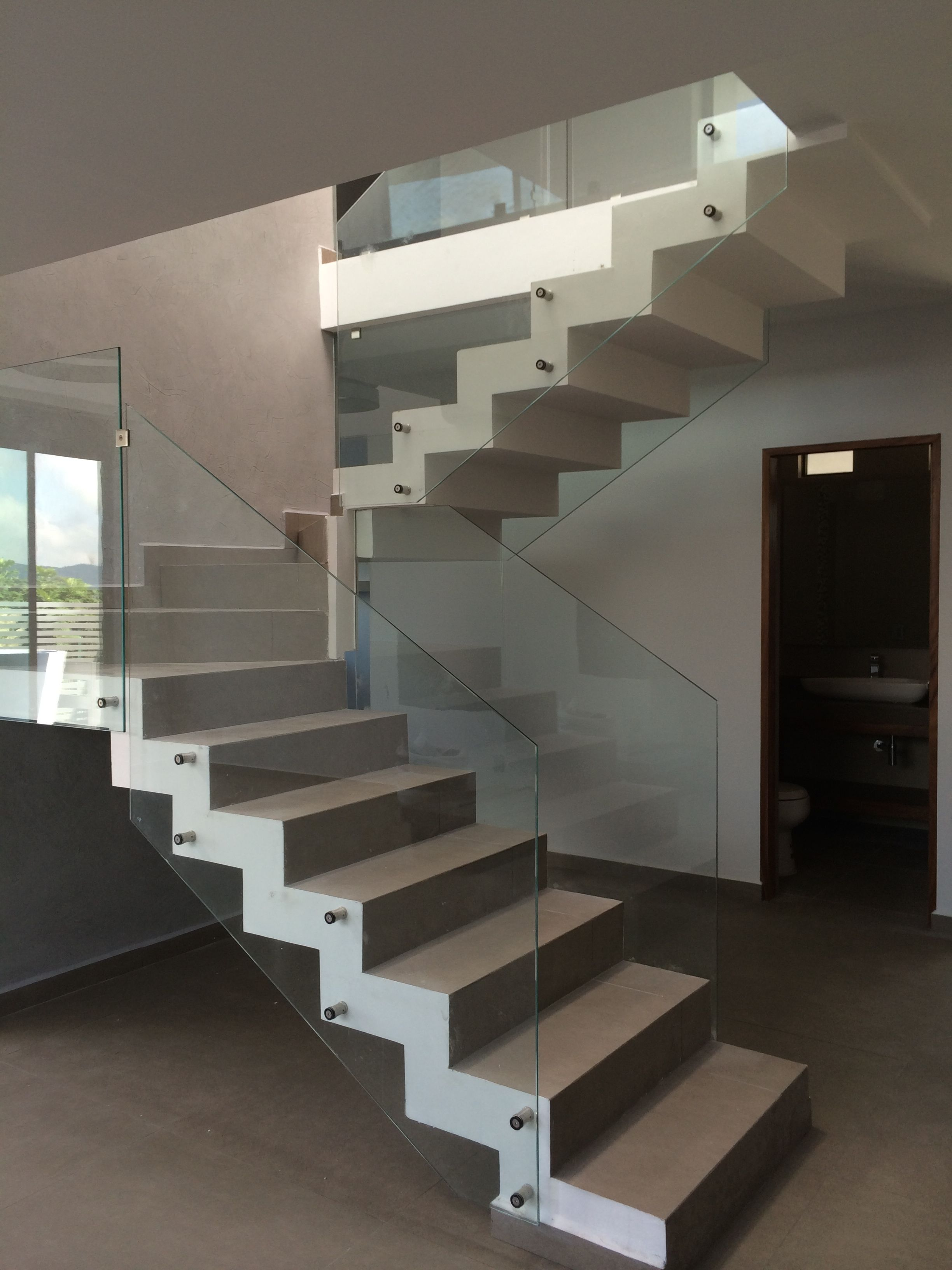 Escalera | THANG | Pinterest | Stairs, Glass stairs v ...