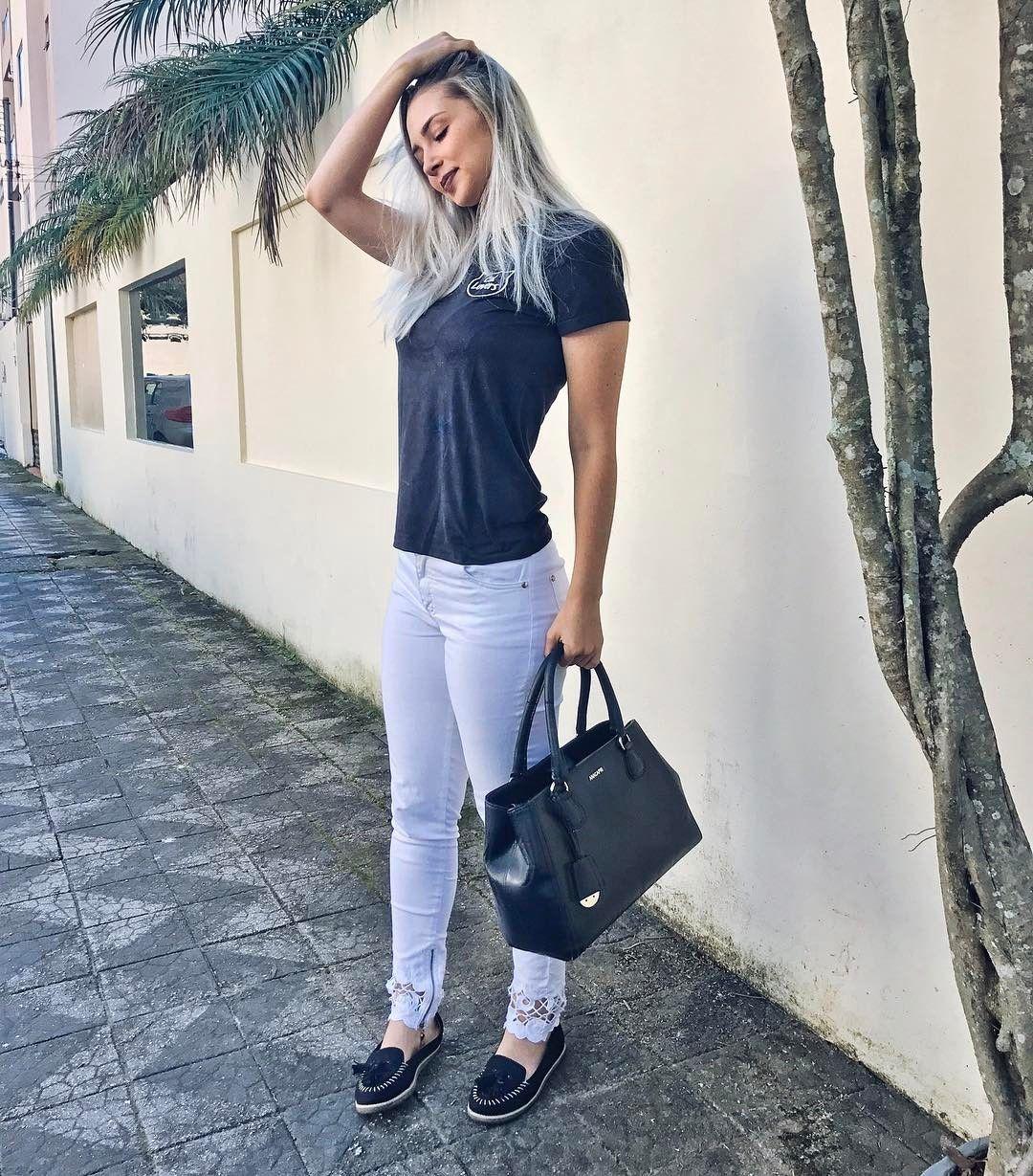 """9,679 Likes, 195 Comments - Janaína Taffarel (@janataffarel) on Instagram: """"Escute coisas diferentes de vez em quando... seu coração por exemplo! ❤️ Look lindo da…"""""""