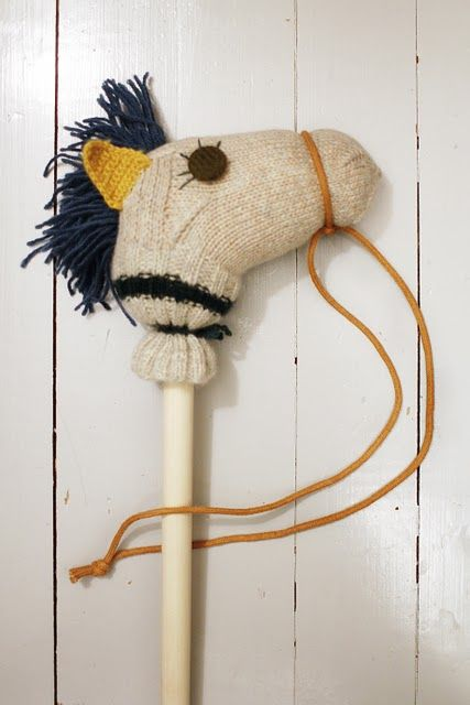 horse stick - An assortment of these using old socks, or scrap fabric & yarn would be adorable in an umbrella stand for little visitors. Nothing like a good horse ride in the Texas Hill Country!