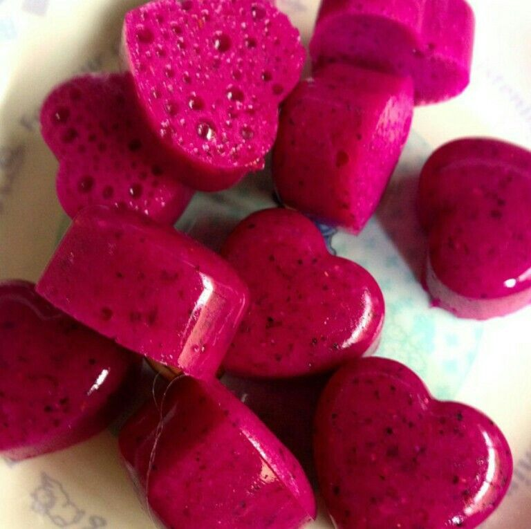 Dragon fruit-lavender-basil jelly hearts!!