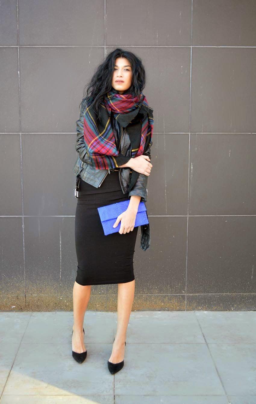 b7abac3397 Look de moda  Chal de tartán negro