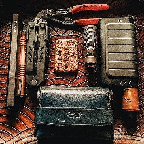 regram @everydaycarry Almost everything in this mechanical engineers #EDC is made of a durable metal. Find more items that can withstand daily usage like these at #everydaycarry.com #carrysmarter #essentials #mininch #olight #gerber #moosebrand #rickhinde