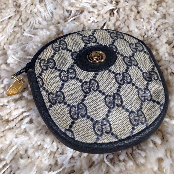 2555d8300f22 Authentic GUCCI coin/card purse!!! Beautiful vintage GUCCI! Blue canvas and  leather coin/card purse in great condition!!! Flawless exterior and minimal  ...