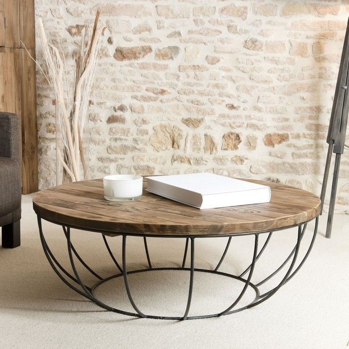 If You Are Looking For An Industrial Style For Your Living Room Succumb To This Round Table Met Round Wood Coffee Table Coffee Table Round Wooden Coffee Table