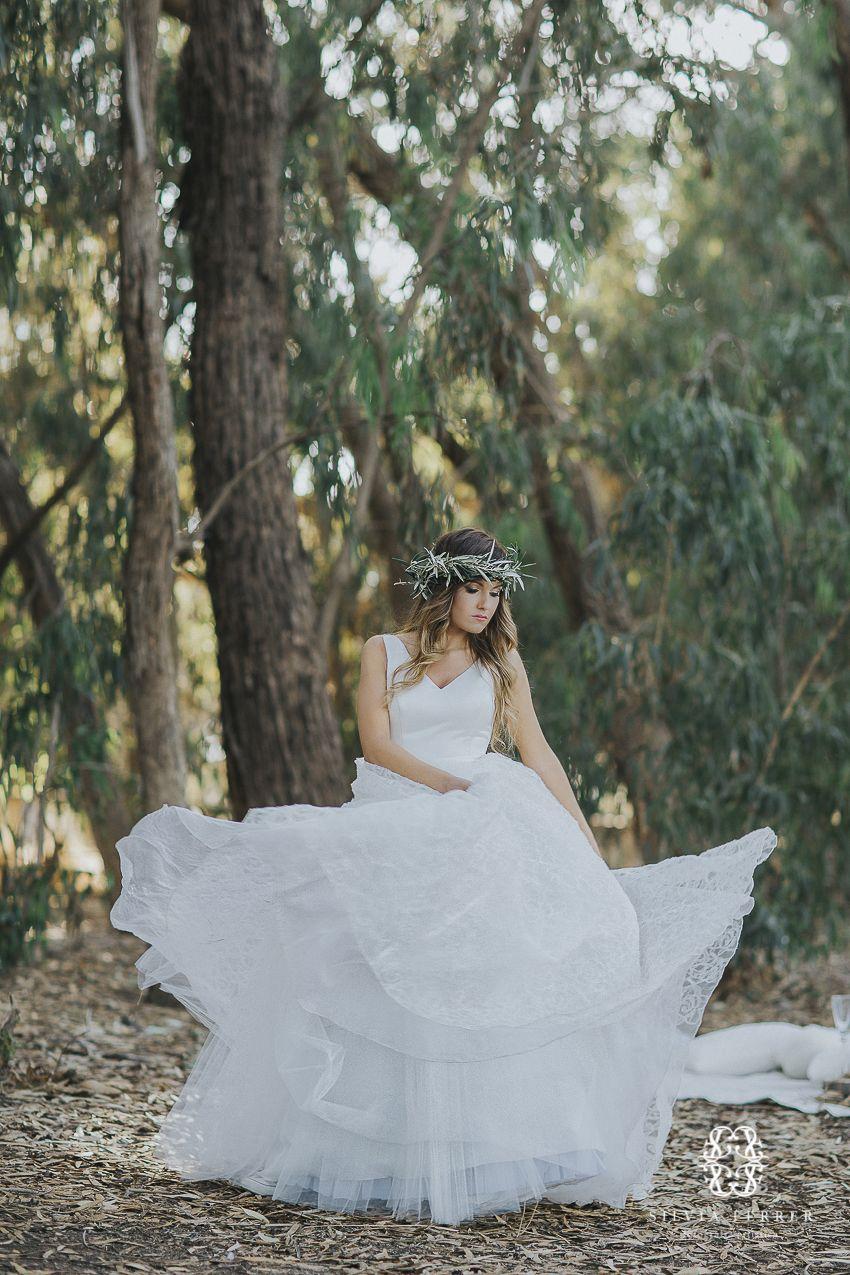 wedding inspiration, wedding in forest, boda rústica, corona de ...