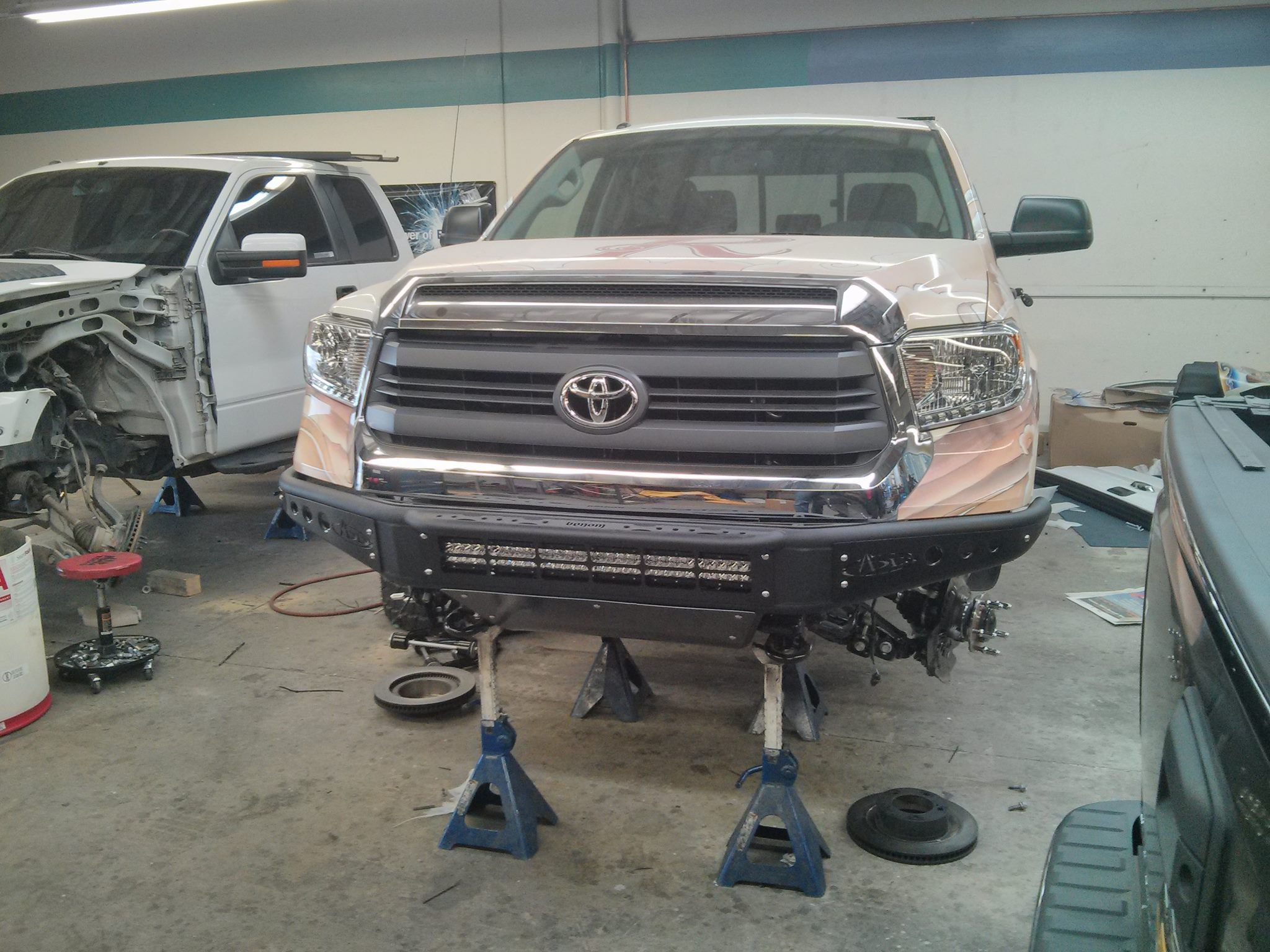 2014 toyota tundra front bumper