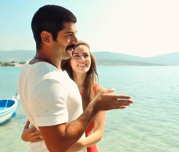 Fahriye Evcen Burak Ozcivit Ask Sana Benzer Backstage Burak Ozcivit Couple Goals Actors