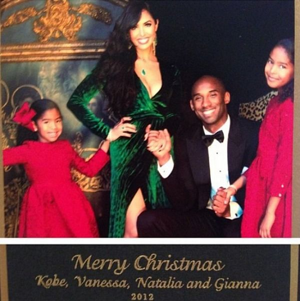 Kobe Bryant Vanessa And The Kids On Their Own Christmas Card