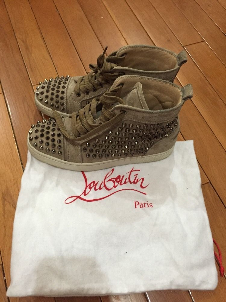 Christian Louboutin Womens Louis Spike Sneakers Flat Beige Suede Authentic 36 6  #ChristianLouboutin #FashionSneakers