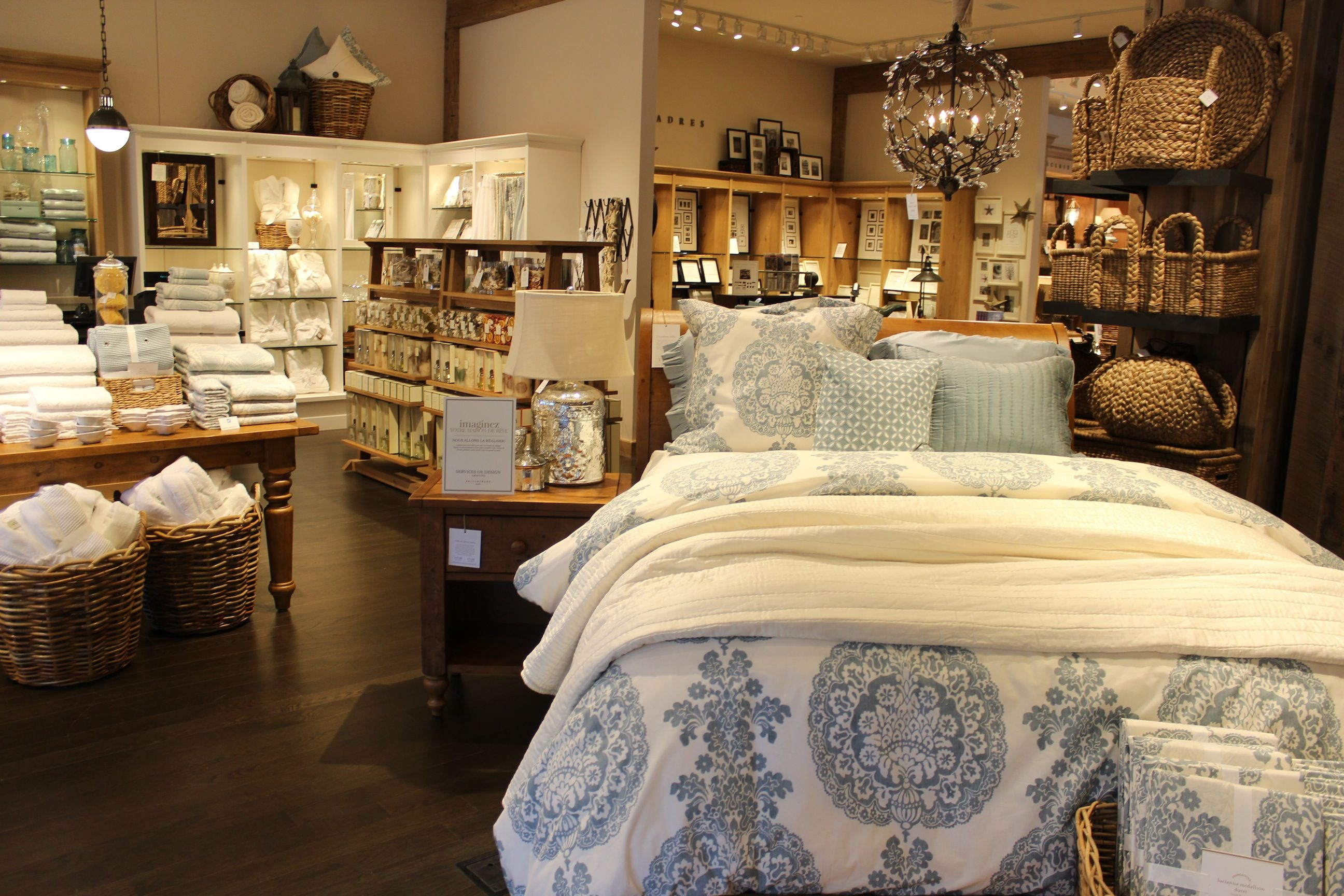 pottery barn store - Google Search | Visual Merchandising ...