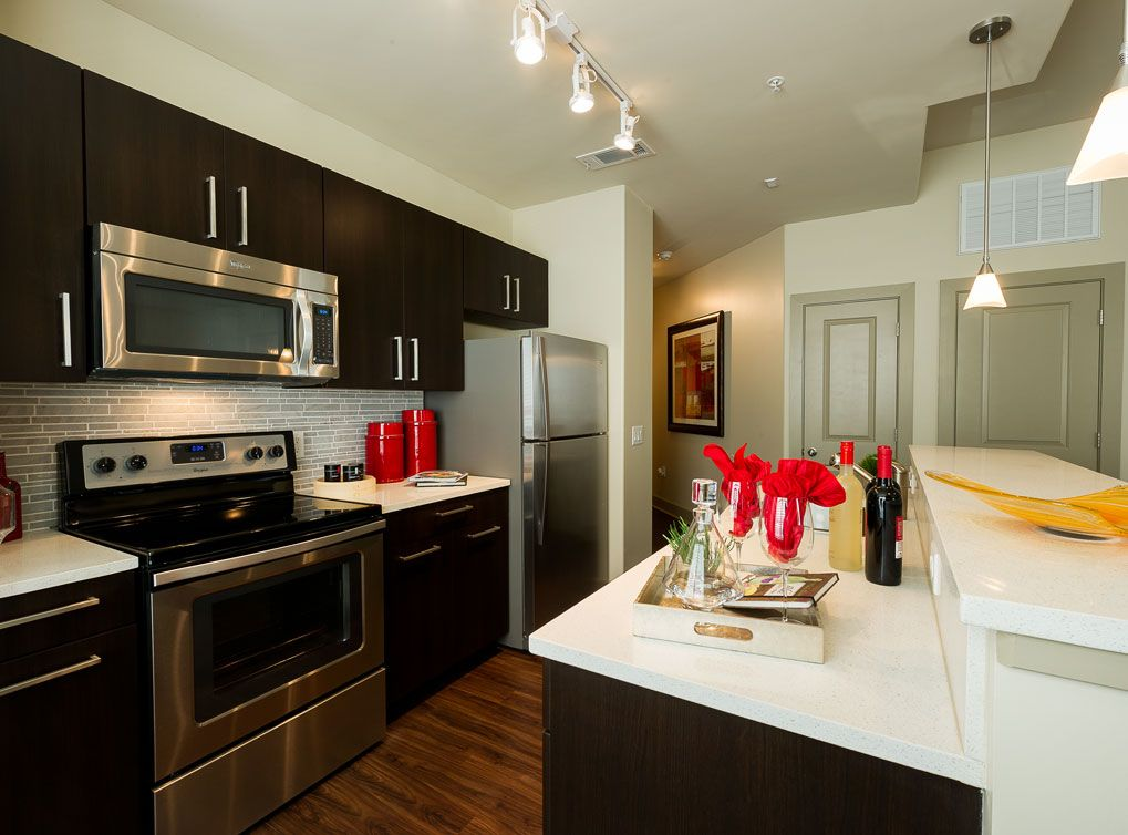 Model Kitchen At Amli River Oaks