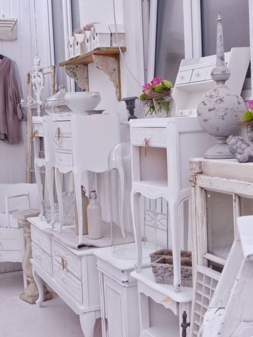 shabby chic shabby chic shops displays pinterest shabby flea market finds and shabby. Black Bedroom Furniture Sets. Home Design Ideas