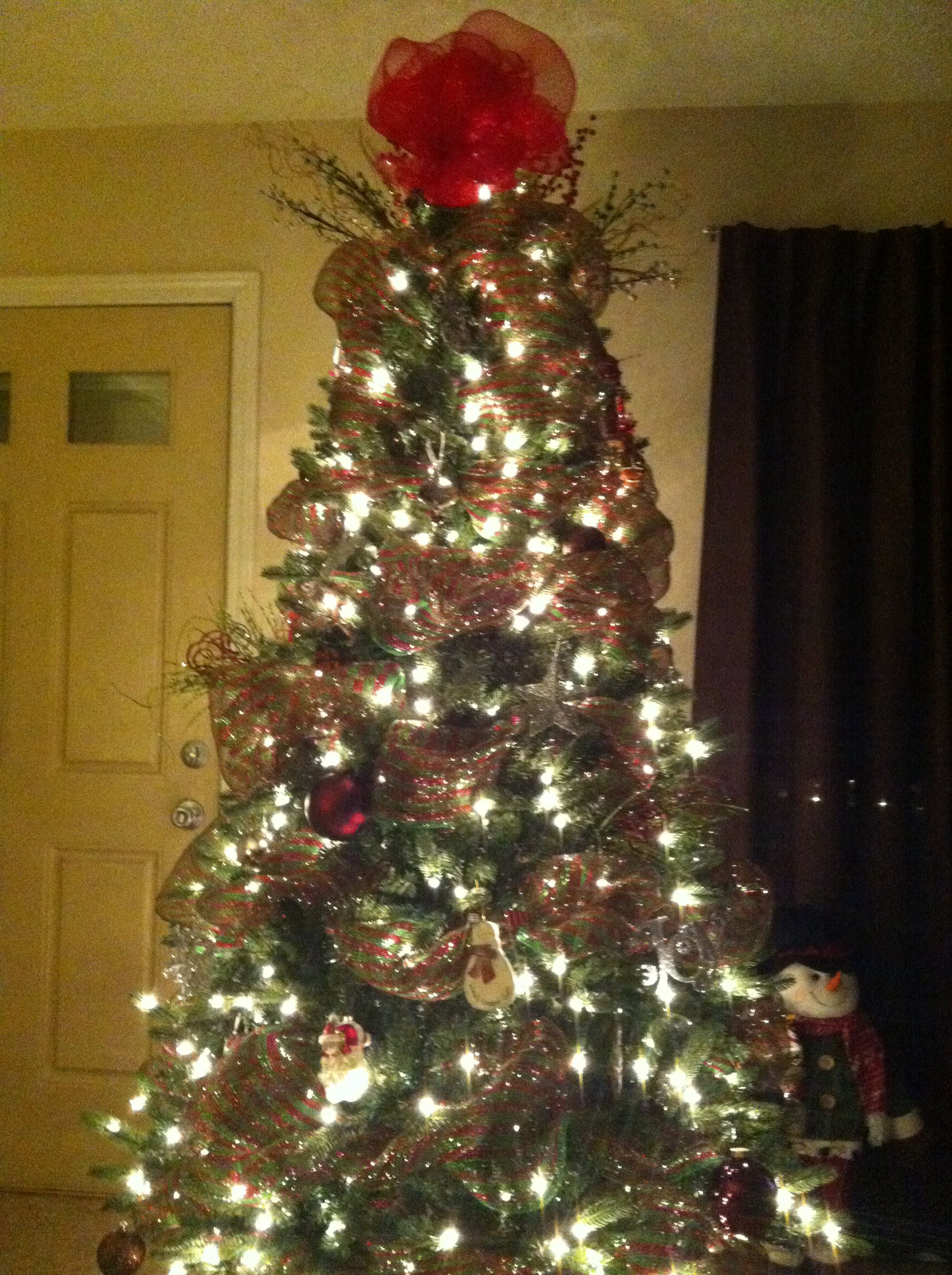Christmas Tree With Spiral Mesh Ribbon Christmas Tree How To Make Wreaths Mesh Ribbon